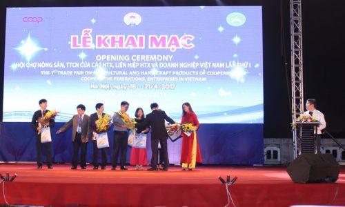 ECPVietnam tham gia và tài trợ truyền thông Hội chợ nông sản, TTCN các HTX và doanh nghiệp Việt Nam lần 1